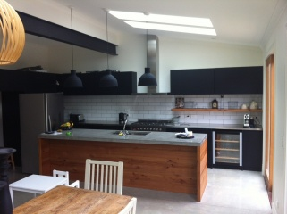 Black-Kitchens-10